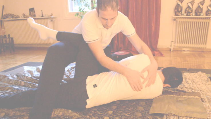 Thai Yoga Massage (ταϊλανδέζικο μασάζ)